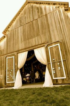 Barn Le Doorway Hung With D And Chandelier Used As Wedding Altar Lake Martin At The Les By Spindle Photogra