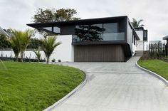 La casa es muy moderna y me gusta la casa mucha