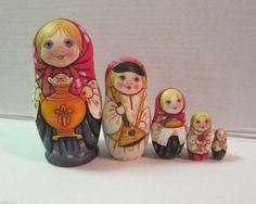 Russian Matryoshka - Wooden Nesting Dolls - 5 Pieces Unique Coloring - Set #2 | eBay