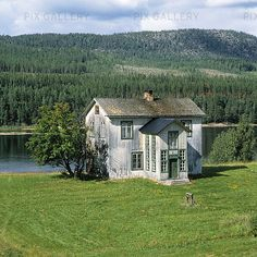 """Abandoned house by """"Lule älv"""" in North of Sweden- someone give this to me now and I am there! What a beautiful place this could still be."""
