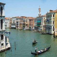 What's your most romantic day of 2017 - Valentine's Day, an anniversary, a birthday or perhaps a surprise proposal that you currently know nothing about? And more importantly, where are you spending it? #wherewillwesendyou  #gondola #canal #buildings #architecture #romantic #beautiful #trip #travel #travelcouple #travelgram #travelinspiration #travelgoals #travelphotography #traveltheworld #instatravel #wanderlust #exciting #yolo #bridetobe #groomtobe #travelplanning #travelplanner…