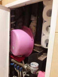 Место для хранения запасов полотенец