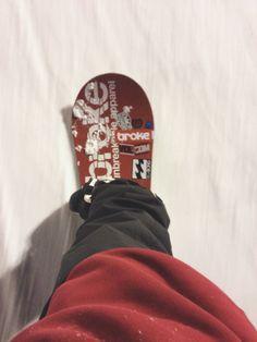 Abbiamo deciso di iniziare bene il week end! #brokeclothing #snowboarding #snowboard #winter #sweatshirt #goretex