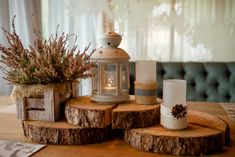 Candle Lanterns, Candles, Deco Table Noel, Wooden Boxes, Candle Holders, Interior Decorating, Sweet Home, Diy, Rustic