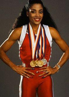 היום לפני 28 שנה: פלורנס גריפית' ג'וינר רצה 200 ב-21.34 שנ' / מנחם לס