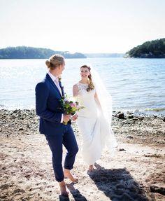 JUST MARRIED! / These two @ninnejnej and @k_laanemets - MAGIC! • • • #laanemets2017 #newlyweds #justmarried #beach #wedding #weddingphoto #weddingday #weddingphotographer #love #bestdayever #weddingstyle #weddingdress #wow #weddings #bride #bröllop #bröllopsfotograf #brudpar #fotografgöteborg #fotograf #kärlek http://gelinshop.com/ipost/1524627910450511517/?code=BUokQG5DH6d