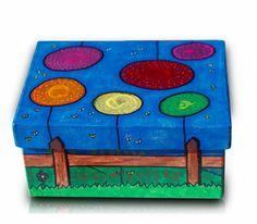 caja cartón rectangular pintada con acrilicos  caja de cartón,pinturas acrílicas,barniz pintura acrílica,rotuladores acrílicos Arts And Crafts, Paper Crafts, Diy Crafts, Paint Effects, Little Boxes, Colored Paper, Box Frames, Wooden Boxes, Painting On Wood