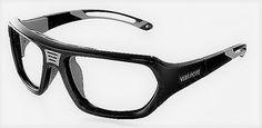 Centro Optico ALOMAR -- VERSPORT - TROY - calibre 61 mm - VX96611 Características Técnicas: 1. QUICK TWIST EXCHANGE MECHANISM El sistema patentado de intercambio rápido, permite el cambio entre la varilla larga y la banda deportiva; un simple giro que bloquea con seguridad y comodidad. Dos gafas en una, polivalencia funcional para los deportistas más exigentes que no renuncian a la protección de su vista.