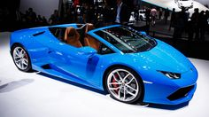 2017 Lamborghini Huracan Spyder: From coupe to topless streaker in 17 seconds flat (pictures) - Roadshow Lamborghini Huracan Spyder, Lamborghini Espada, Super Sport Cars, Super Cars, Mustang, Flat Picture, Good Looking Cars, Italian Models, Concept Cars