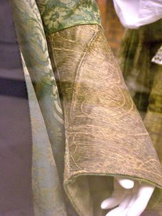 Mary of Burgundy's gown - cuff closeup - showing curved seam by taryneast, via Flickr