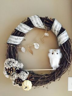 White Owl Wreath Fall Wreath Animal Wreath by LuckySophieCrafts. Very pretty wreath! Good for Fall and I would also use for winter! Wreath Fall, Grapevine Wreath, Owl Wreaths, Wreath Hanger, A Hook, Winter Ideas, Gourds, Fall Decor, Thanksgiving
