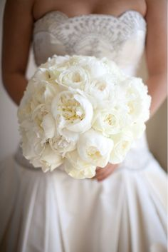 Wedding bridal bouquet can be made with flowers such as roses and violets, lilies and orchids, peonies and daisies, freesia and chrysanthemums, daisies and lisianthuses. In this article we will look in detail at classic and unusual wedding bouquets. Wedding Events, Our Wedding, Dream Wedding, Wedding Bride, Floral Wedding, Wedding Flowers, Bouquet Wedding, Purple Wedding, White Peonies Bouquet
