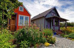 http://www.thesmallhousecatalog.com/afewsmallwords/ten-reasons-i-prefer-small-houses-to-tiny-houses
