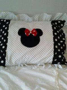 Minnie+Mouse+Black+and+White+Polka+Dot+Bed+by+BetsysBabyBoutique19,+$30.00