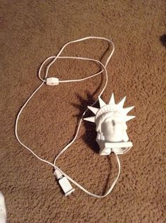Vintage Jsny J S N Y Ceramic Statue Of Liberty Head Decoration Night Light Lamp