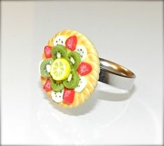 Polymere clay ring - * Petite tarte aux fruits * - Miniature food - by Magoubijoux #Handmade #fimo #polymere #jewellery