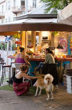 juice bar Rothschild Boulevard, Tel Aviv
