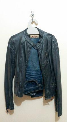 Cabide modelo 002, ideal também para calça jeans e jaquetas. Testado pela blogueira e personal organizer Tatiana Halley