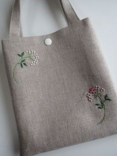 Supreme Best Stitches In Embroidery Ideas. Spectacular Best Stitches In Embroidery Ideas. Embroidery Bags, Simple Embroidery, Hand Embroidery Patterns, Embroidery Stitches, Art Bag, Jute Bags, Linen Bag, Fabric Bags, Cloth Bags