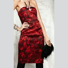 Ann Taylor Red Rose Print Dress This gorgeous red and black strapless dress by Ann Taylor truly makes a statement! Ann Taylor Dresses Strapless