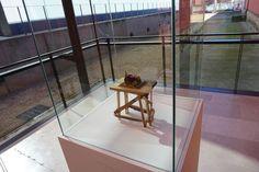 """""""Pequeño proyecto para un vehiculo hacia la libertad"""" José Luis Serzo #Exposición """"Teatrorum"""" #DoumusArtium2002 #Salamanca #Arte #Art #ContemporaryArt #Arterecord 2016 https://twitter.com/arterecord"""