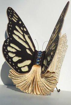"""Schmetterlingsbuch, wie verwandle ich ein Buch in einen Schmetterling? Altered #Book """"Blingin' Butterfly"""""""