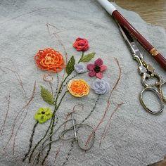 #Embroidery#stitch#needlework#stump work #프랑스자수#일산프랑스자수#자수#자수타그램#자수소품#입체자수#자수액자 #꽃 호사를 누리게해준 여름아~고마워