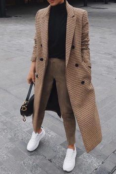 Popular Winter Outfits That Will Make You Look Fascinating. Women… Popular Winter Outfits That Will Make You Look Fascinating. Women's Design. Winter Mode Outfits, Winter Fashion Outfits, Look Fashion, Autumn Winter Fashion, Fall Outfits, Womens Fashion, Fall Fashion, Fashion Coat, Rock Outfits