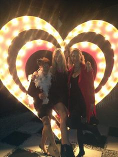 What a night @Madame_Zingara!! Carnival, Tours, Concert, Party, Decor, Mardi Gras, Dekoration, Fiesta Party, Decoration
