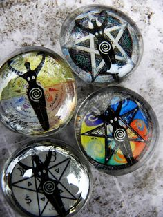 Glass Pentacle Wiccan Goddess Pagan Magnet   Simple to make, I like the image ideas!