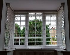 Yet another bay window fitted by the DMB team in Ogwell this time. Have you got windows that need dressing and are stuck with what to do? Then give us a call on 07748643628 or visit our website Windows Me, Blinds For Windows, Curtains With Blinds, Fakro Blinds, Bay Window Blinds, Perfect Fit Blinds, Fitted Blinds, Window Fitting, Roman Blinds