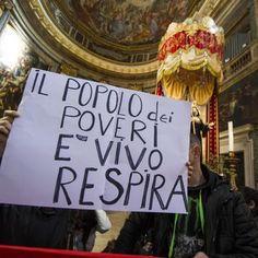 Movimenti per la casa occupano chiesa a Roma