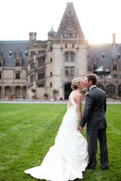 *le sigh* If only I had $12,000 to spend on a Biltmore wedding... I'd totally get married here <3