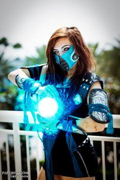 Sub-zero from Mortal Kombat #Megacon2014 I gotta do it too )o: Im a huge Mortal Kombat fan!
