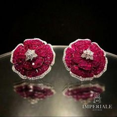 Roses are red. Gorgeous Ruby and Diamond Earrings Ruby Earrings, Ruby Jewelry, India Jewelry, Gems Jewelry, Jewelry Art, Fine Jewelry, Jewelry Design, Fashion Jewelry, Jewellery Earrings
