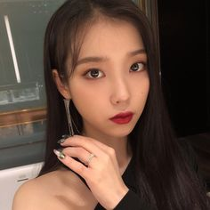 Discovered by Charlize. Find images and videos about iu and lee jieun on We Heart It - the app to get lost in what you love. Iu Twitter, Kpop Hair, Lee Hyun Woo, Korean Artist, Kpop Aesthetic, Kpop Fashion, Korean Actresses, Girl Crushes, Kpop Girls