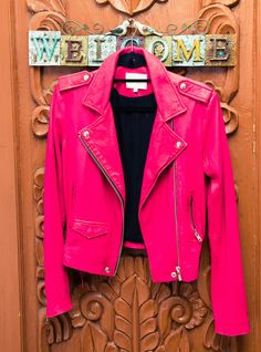 HOT. PINK. LEATHER. #yesss
