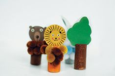 recycled-animal-puppets-with-cork