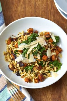 Recipe: Orzo with Caramelized Fall Vegetables Ginger — Quick and Easy Vegetarian Dinners recipes recipes recipes Orzo Pasta Recipes, Sweet Potato Pasta, Potato Soup, Easy Vegetarian Dinner, Dinner Healthy, Fall Vegetarian Recipes, Fall Vegetables, Roasted Vegetables, Colorful Vegetables