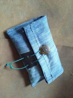 Portatabacco artigianale in tessuto jeans e pelle di robafattamman