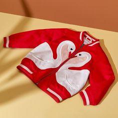 """Gefällt 370 Mal, 8 Kommentare - Stella McCartney (@stellamccartney) auf Instagram: """"Swan love ❤️. @Stella_Kids spread joy in bomber jackets from the new collection, online now!…"""""""