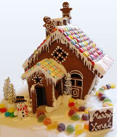 candy house | COME DINE WITH HANSEL AND GRETEL IN MY CANDY HOUSE (THERE IS NO A ...