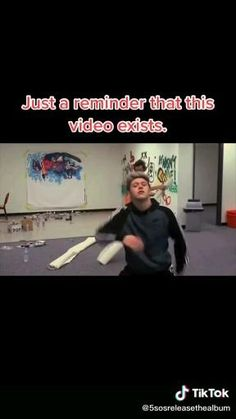 One Direction Edits, One Direction Harry, One Direction Pictures, Funny Vidos, Crazy Funny Memes, Text Jokes, Funny Short Videos, 1direction, My Guy