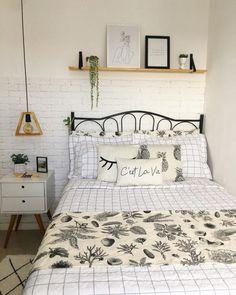Girly Bedroom Decor, Room Design Bedroom, Room Ideas Bedroom, Cozy Bedroom, Study Room Decor, Small Master Bedroom, Aesthetic Bedroom, Minimalist Bedroom, Dream Rooms