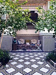Charming Morocco Style Patio Design Ideas22