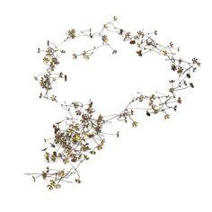 """Serie Estrellitas. Collar. """"Floreciendo"""". Descarte industrial, alpaca. Little stars series. Collar """"Flowering"""". Industrial scrap, alpaca. Patricia Gallucci www.patriciagallucci.com.ar"""
