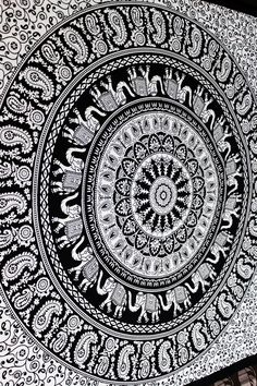 MARCHING ELEPHANT IN PAISLEY RING MANDALA Twin Ethnic Bedspread Tapestry curtain Bed throws Room Decor Beach Towel