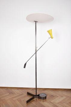 Gino Sarfatti; #1050 Enameled Aluminum and Nickel-Plated Brass Floor Lamp for Arteluce, 1951.