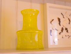 Boudoir, mon beau boudoir… - Cosy home For You Boudoir, Vase, Home Decor, Turquoise Throw Pillows, Coloured Glass, Powder Room, Decoration Home, Room Decor, Vases