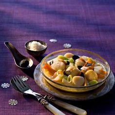 Découvrez la recette du pot-au-feu de saint-jacques truffé